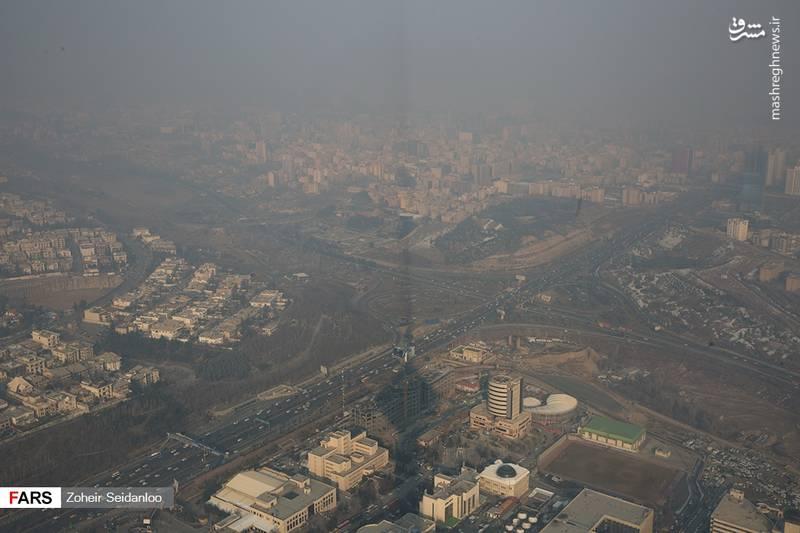استاندار تهران: با جایگزینی خودروهای فرسوده ٧٠ درصد آلودگی هوای تهران کاهش مییابد