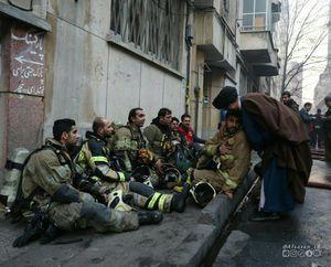 عکس/ تقدیر از آتشنشانان خیابان ولیعصر