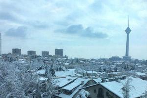 تفاوت روزهای برفی و آلوده تهران