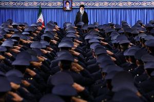 دیدار فرماندهان نیروی هوایی ارتش با رهبرانقلاب