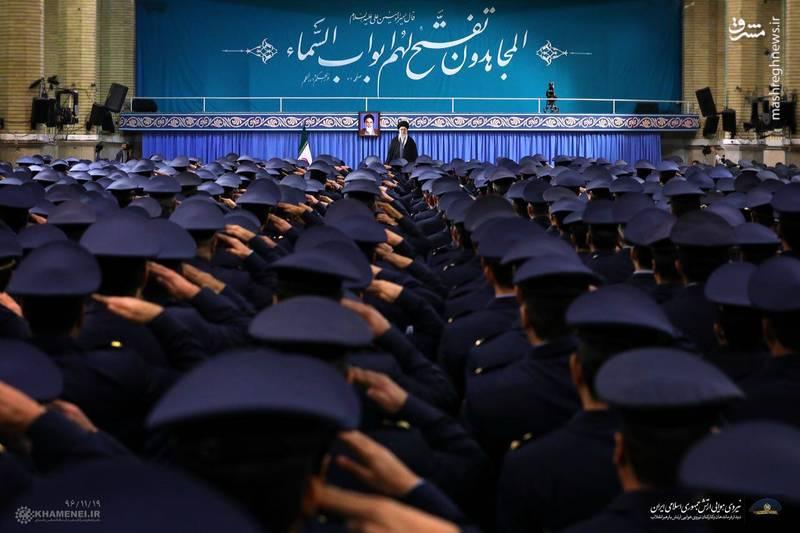 دیدار فرماندهان و کارکنان نیروی هوایی ارتش با رهبرانقلاب اسلامی
