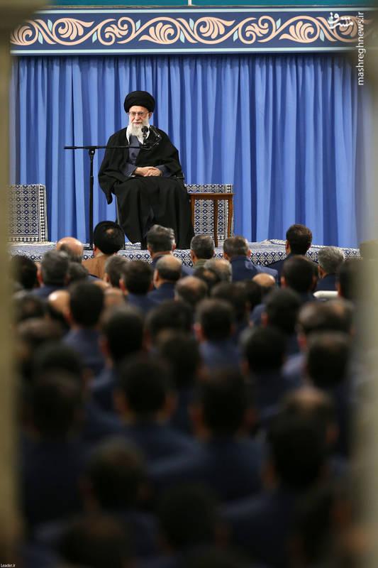 رهبرانقلاب: انقلاب اسلامی، دینی بود؛ نظامی هم که به وجود آمد دینی و مردمی بود.