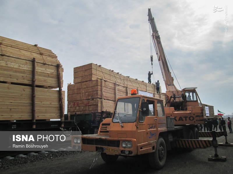 پروژه راه اهن آستارا - آستارا نه تنها می تواند شهرستان آستارا و استان گیلان را متحول کند بلکه پتانسیل متحول کردن کشور و کشورهای ذی نفع را نیز دارد و این موضوع برای قدرت های اقتصادی دنیا کاملاً مشهود و قابل لمس هست