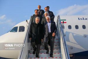 عکس/ لاریجانی در مراسم بزرگداشت شهدای مدافع حرم اصفهان