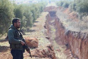 عکس/ حفر خندق در مرز ترکیه و سوریه