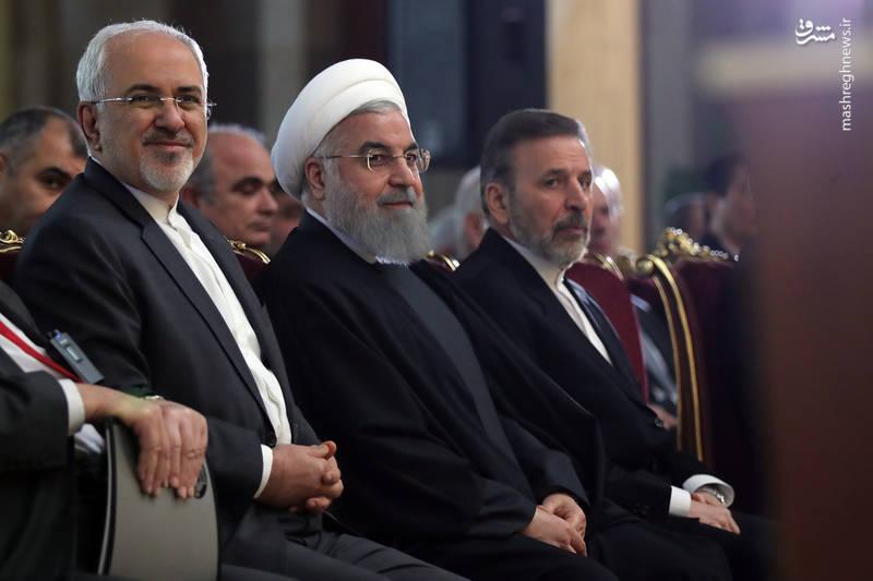 روحانی: ایران راه حل مشکلات منطقه ای را صرفا سیاسی می داند