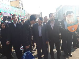 عکس/ فرمانده کل ارتش در راهپیمایی 22 بهمن