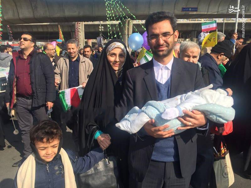 محمدجواد آذری جهرمی وزیر ارتباطات همراه با خانواده