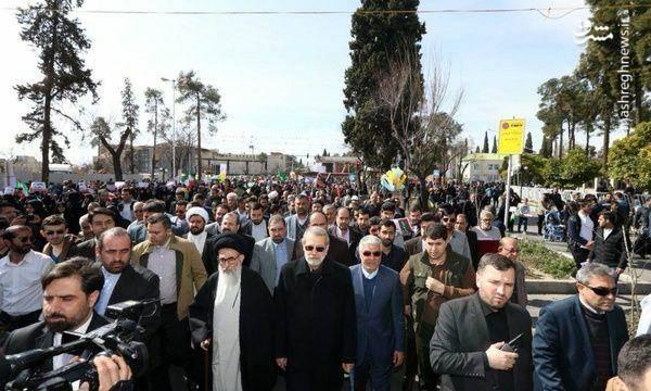 علی لاریجانی رئیس مجلس شورای اسلامی در راهپیمایی 22 بهمن