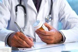 فیلم/ چرا برخی پزشکان فقط پول نقد میگیرند؟
