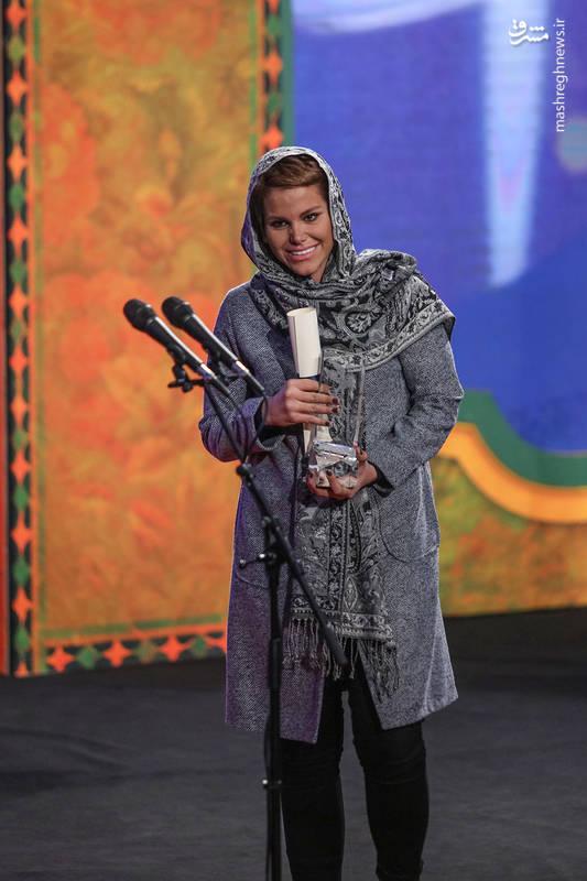 دختر جمشیدهاشم پور سیمرغ بلورین بهترین بازیگر نقش مکمل مرد را برای فیلم دارکوب دریافت کرد