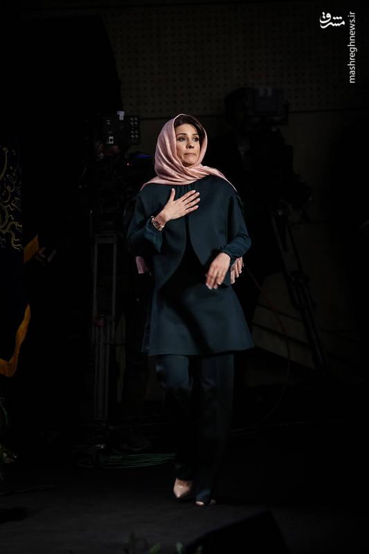 سیمرع بلورین بهترین بازیگر نقش اول زن جشنواره فیلم فجر اهدا شد به : سارا بهرامی برای فیلم دارکوب