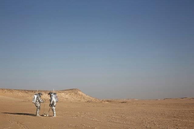 این فضانوردان از انجمن فضانوردی اتریش، در طرح خود، ۱۹ آزمایش را اجرا خواهند کردند.