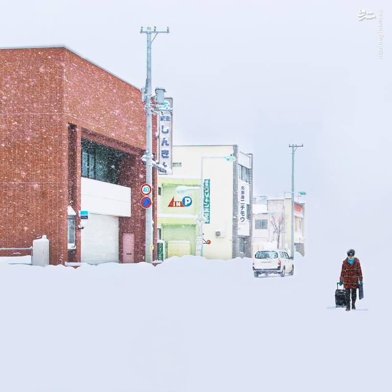 او معتقد است برف و می تواند امورعادی و معمولی را به صورت غیرعادی به تصویر بکشد