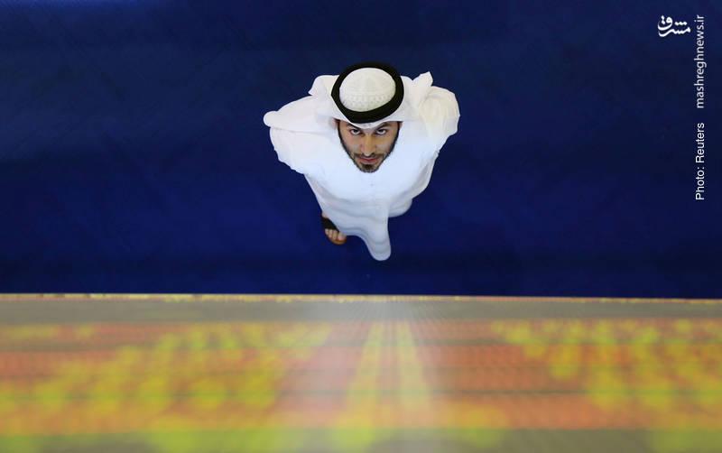 نگاه یک سرمایهگذار به نمایشگر بورس بینالمللی دبی