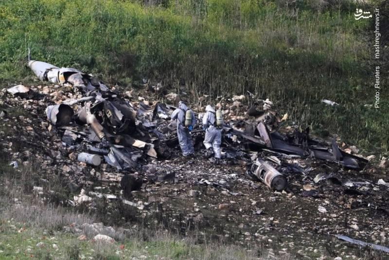 همه آنچه از اف-16 اسرائیلی پس از ورود به مرزهای سوریه باقی مانده است.