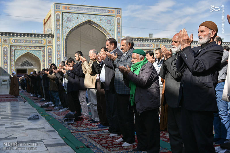 اقامه نماز باران در حرم امام رضا(ع)