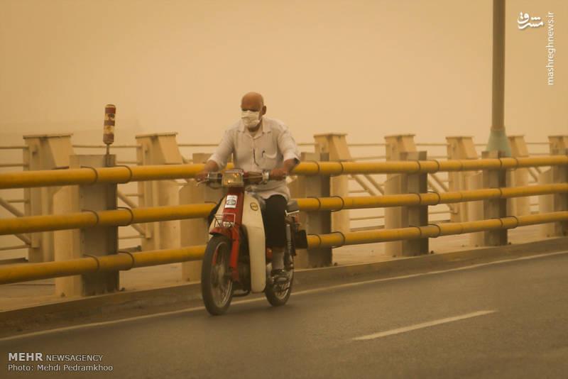 میزان غلظت گرد و غبار در اهواز در ساعت 12 امروز، به بیش از 57 برابر حد مجاز رسیده است.