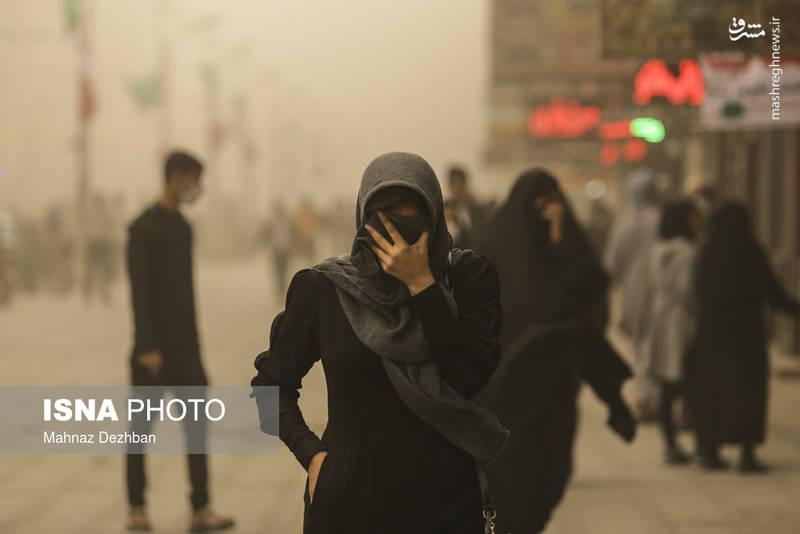 در حال حاضر دو پرواز ورودی به فرودگاه اهواز به دلیل شرایط بد جوی و وقوع پدیده گرد و غبار در این شهر لغو شده است.