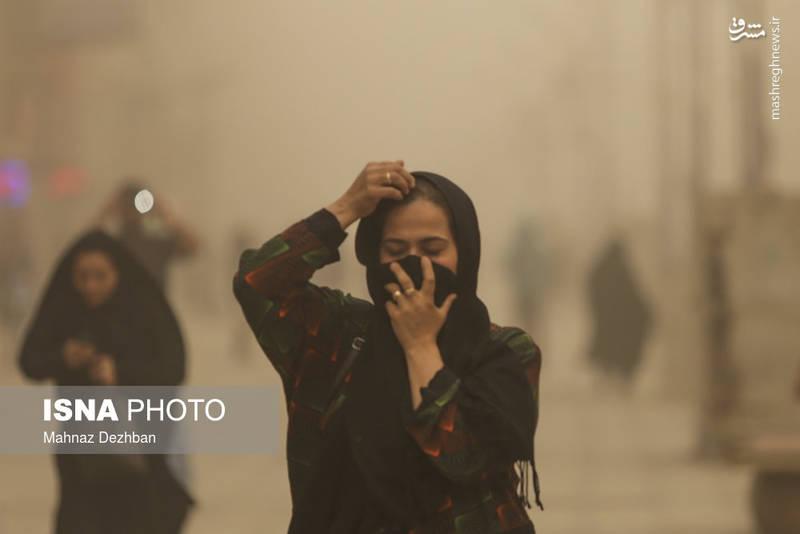 رئیس مرکز اورژانس و فوریتهای پزشکی خوزستان نیز از اعلام آمادهباش اورژانس در پی وقوع گرد و غبار امروز خبر داد.