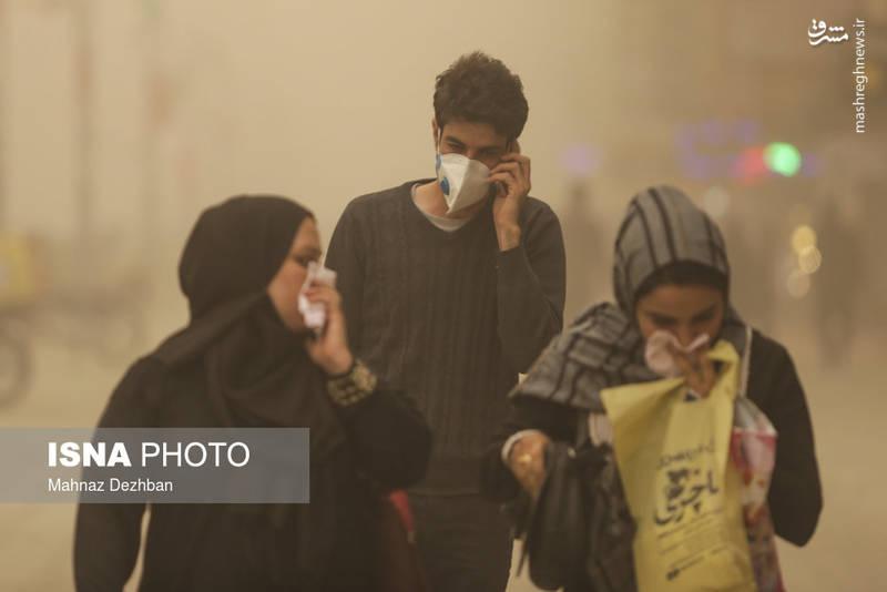 پرواز شماره 1212هواپیمایی قشم ایر که از تهران به مقصد اهواز در حال پرواز بود نیز به دلیل شرایط نامناسب آب و هوایی و وقوع پدیده گرد و غبار در اهواز، به تهران باز گشت.