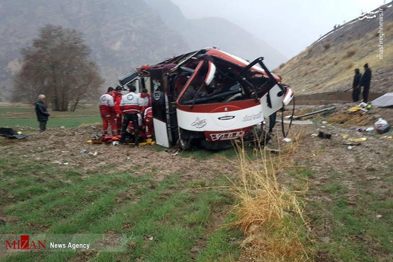 واژگونی اتوبوس به دره در استان کهگیلوبه و وبویر احمد سه کشته و ۱۰ مجروح برجای گذاشت