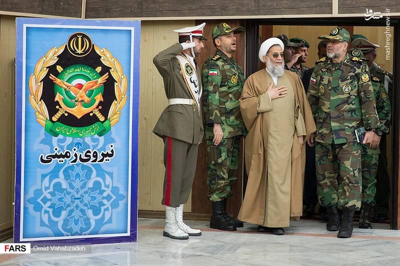 حضور امیرسرتیپ کیومرث حیدری «فرمانده نیروی زمینی ارتش» و حجت الاسلام محمدحسنی «رییس سازمان عقیدتی سیاسی ارتش» در این مراسم