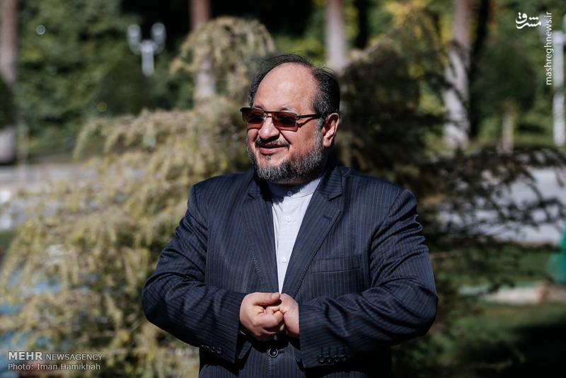 محمد شریعتمداری وزیر صنعت معدن و تجارت