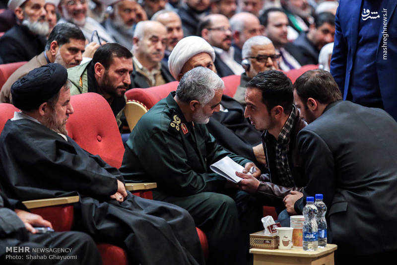 در زندگی، او علاقهمند و معتقد به انقلاب شیعی ایران بود و همچنین از مصطفی چمران تأثیر پذیرفتهبود و خود را شاگرد وی میدانست.