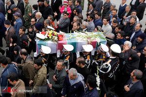 تشییع پیکر سه ملوان سانچی توسط نمازگزاران تهرانی
