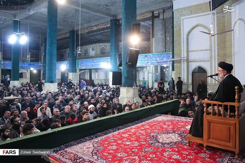 تولیت آستان قس رضوی: خانواده شهید حججی بارها به مشهد مقدس مشرف شدند. مادر شهید بارها می گفت از خداوند می خواهم و دعا می کنم که به من ظرفیت بدهد.