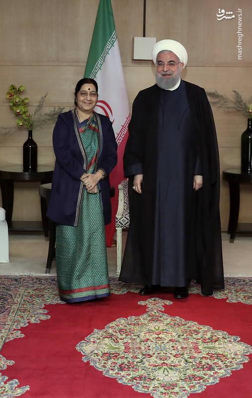 حسن روحانی: در دیدار با رئیس جمهور و نخست وزیر هندوستان اشاره کردم اگر بتوانیم به نقطه ای از روابط عالی برسیم که اجداد ما در ایران و هندوستان داشتند، کار بزرگی کرده ایم.