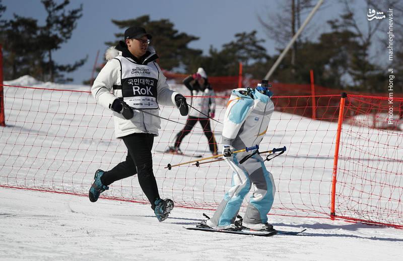 اسکی کردن یک ربات در میانه مسابقات المپیک زمستانی کره جنوبی