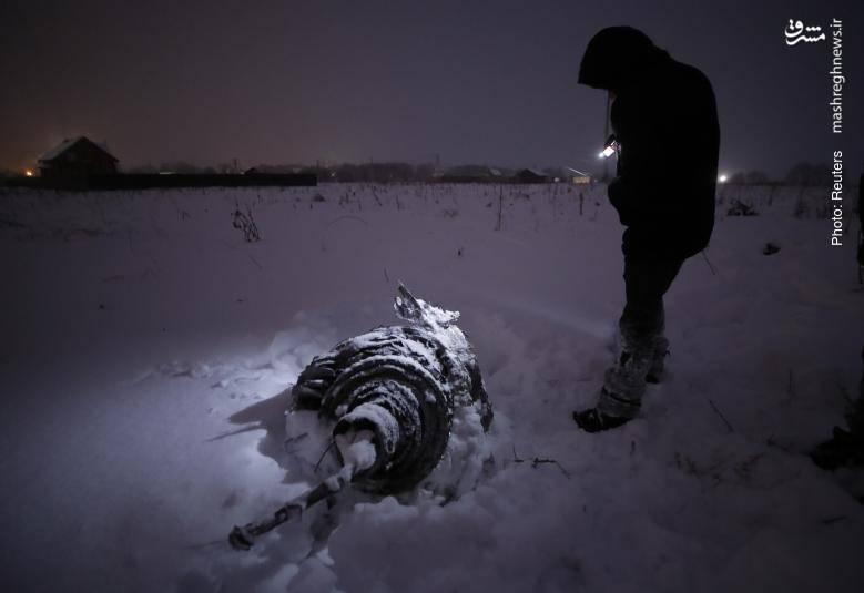 جستجو در محل سقوط هواپیمای 148 نفره روسی در نزدیکی مسکو