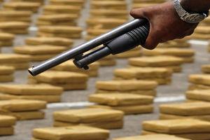 فیلم/ دستگیری قاچاقچیان با ۸۰۰ کیلو کوکایین