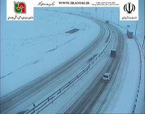 عکس/ برف و کولاک در آزادراه تبریز - زنجان