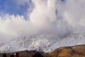 فیلم/ پرواز بالگردها بر فراز رشته کوههای دنا