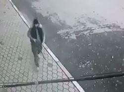 فیلم/ لحظه تیراندازی داعشی به مردم داغستان