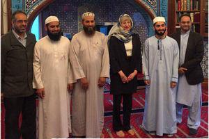 عکس/ حجاب نخستوزیر انگلیس در یک مسجد