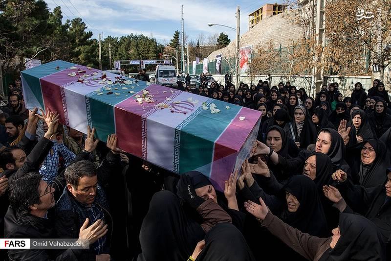 تشییع و تدفین پیکر دو شهید گمنام