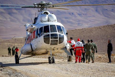 ۴ بالگرد برای انتقال اجساد قربانیان هواپیمای یاسوج اعزام شدند