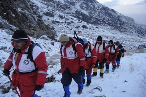 بهمن جان امدادگران را به خطر انداخت