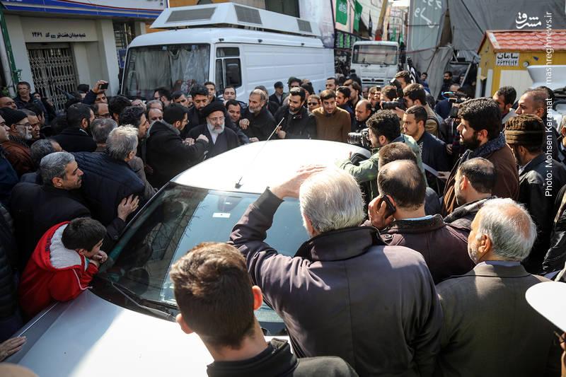 بدرقه پرشور حجت الاسلام رئیسی توسط دوستدارانش