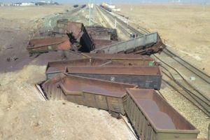 فیلم/ واژگونی قطار حامل سنگ آهن در نیشابور
