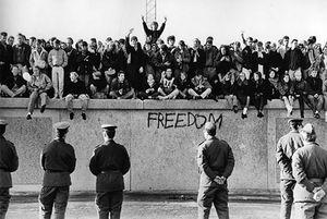 فیلم/ تنها قسمت دیوار برلین که خراب نشد!
