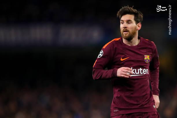 بارسلونا چندین موقعیت خلق کرد که مهمترین آن ضربه سر خطرناک پائولینیو روی پاس لیونل مسی بود