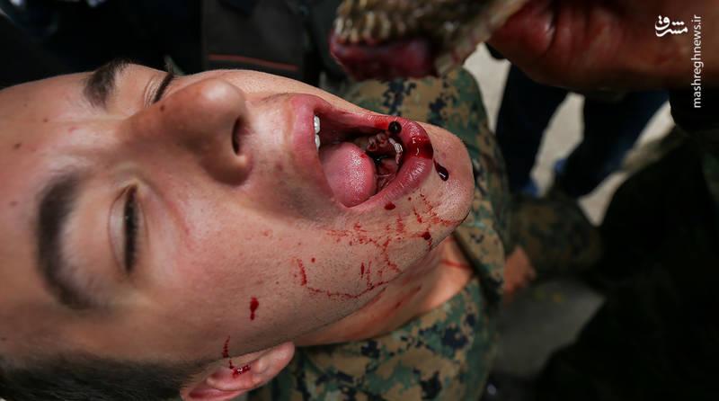 خوردن خون مار کبری