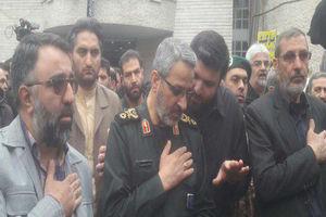 عکس/ سردار غیب پرور در تشییع شهید خیابان پاسداران