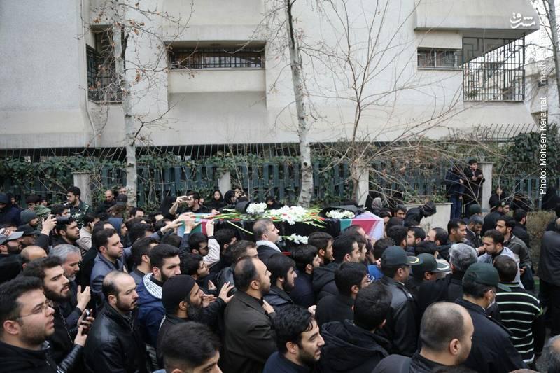 حضور پرشور مردم در مراسم تشییع پیکر شهید بسیجی «محمد حسین حدادیان»