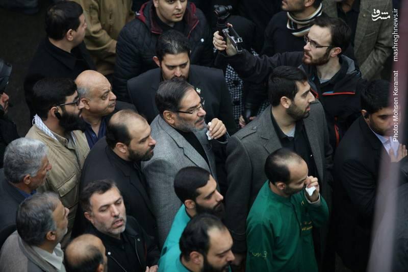 علی شمخانی دبیر شورای عالی امنیت ملی در مراسم تشییع شهید بسیجی خیابان پاسداران